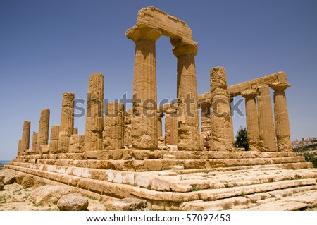 The ruins of Temple of Hera (Juno) Lacinia, Valey of temples, Agrigento, Sicily, Italy