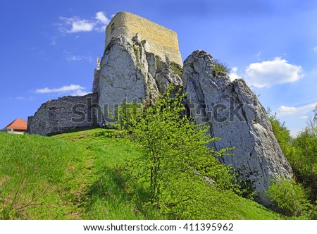 The ruins of the medieval castle Rabsztyn, located near Krakow, southern Poland. It belongs to castles end fortresses: Eagles' Nests Trail - stock photo