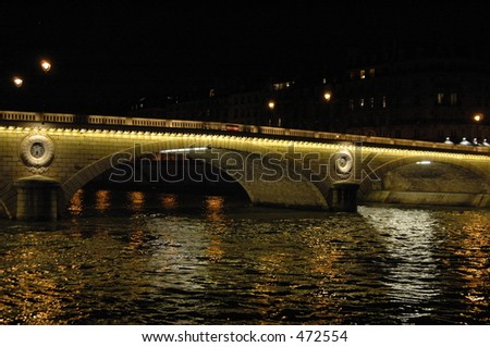 the seine at night in paris