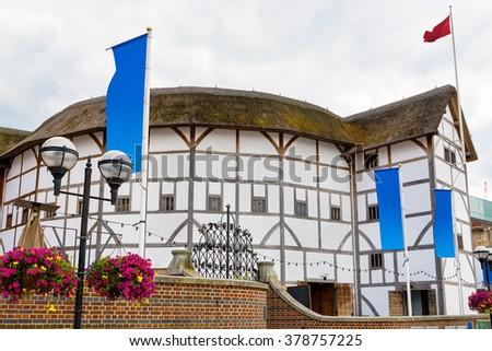 Shakespeare globe theatre london england uk imagen de archivo stock the shakespeare globe theatre in london england uk malvernweather Image collections