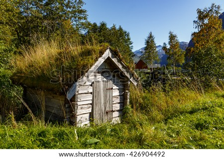 The Small Wooden Hut