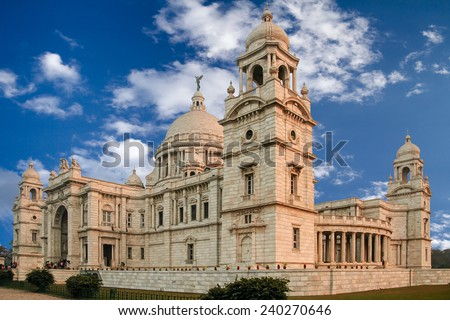 The Victoria Memorial is a large marble building in Kolkata, India which was built between 1906 and 1921. It is dedicated to the memory of Queen Victoria and is now a museum and tourist destination. - stock photo