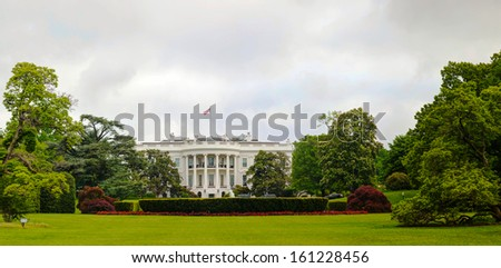 The White House building in Washington, DC in the morning