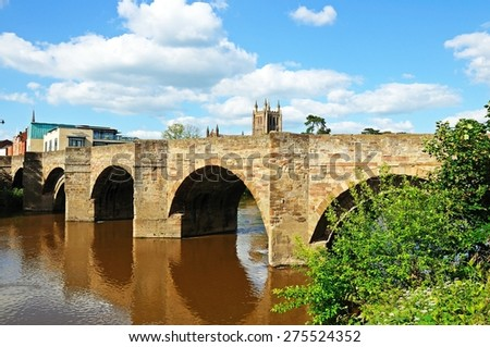 The Wye Bridge and the River Wye with the cathedral to the rear, Hereford, Herefordshire, England, UK, Western Europe.