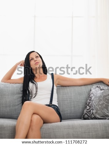 skinny girl fuck couch