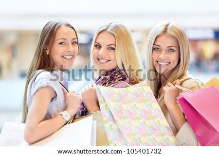 Smiling Girl Shopping Bags Shop Stock Photo 105979382 - Shutterstock