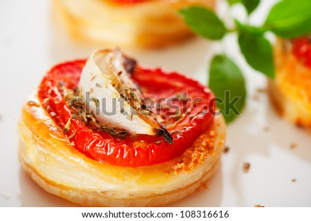 Three small mini pizzas as finger food