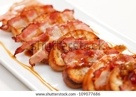 toasts with bacon