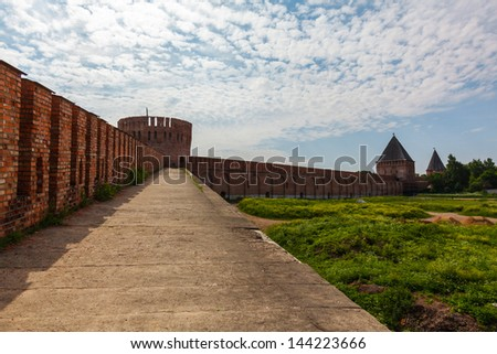 tower and wall of the Kremlin, Smolensk 2013