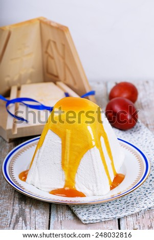 Traditional Easter cottage cheese dessert with jam - stock photo