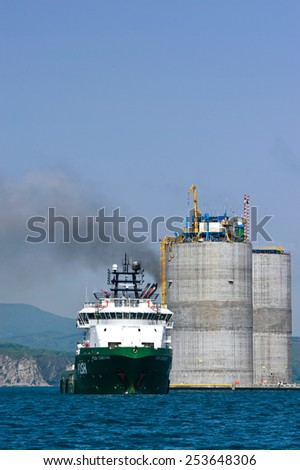 Tug Poch Constant preparing to tow the rig base. Nakhodka Bay. East (Japan) Sea. 01.06.2012