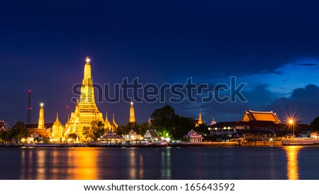 Twilight time view of Wat Arun Temple in bangkok Thailand - stock photo
