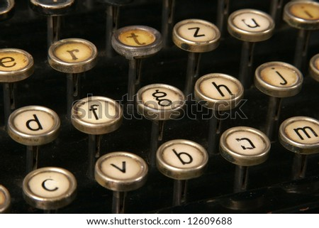 Typewriter small letters keys