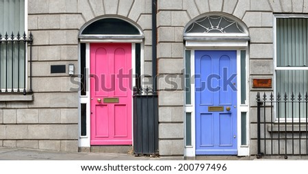 Typical pink and blue Georgian doors. Dublin Ireland : dublin doors - pezcame.com