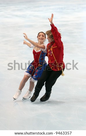 USA's ice dancers Meryl Davis and Charlie White perform original dance. This is pairs' original dance as of season 2007/2008.