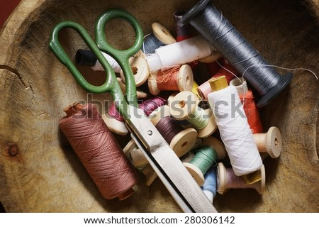 utensils for sewing scissors thread