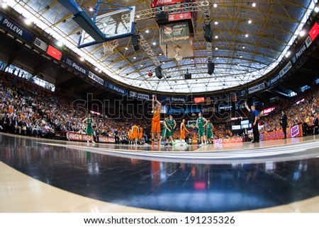VALENCIA - MAY, 1: Foul shot of Doellman during a Eurocup Finals match between Valencia Basket Club and Unics Kazan at the Fonteta Stadium on May 1, 2014 in Valencia, Spain - stock photo