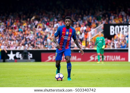 VALENCIA, SPAIN - OCT 22: Samuel Umtiti plays at the La Liga match between Valencia CF and FC Barcelona at Mestalla on October 22, 2016 in Valencia, Spain.