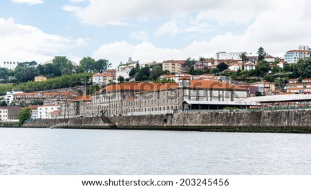 Valley Douro, UNESCO World Heriatge site. View from the River Douro, one of the major rivers of the Iberian Peninsula (2157 m) - stock photo