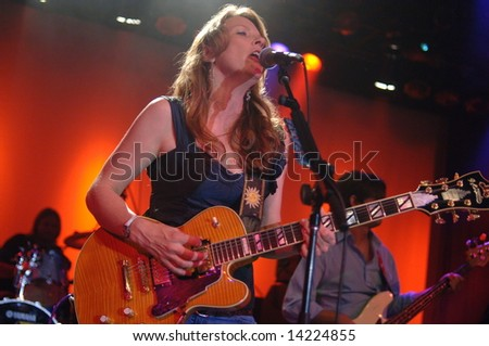 VANCOUVER - JUNE 20 Susan Tedeschi performs in Vancouver, Canada, 24Jun2008