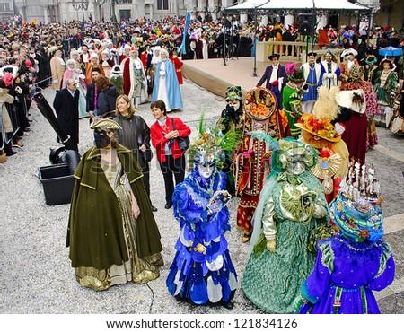 VENICE, ITALY - FEBRUARY 19: Unidentified participants in the Carnival in Venice. The Carnival of Venice on February 19, 2006. - stock photo