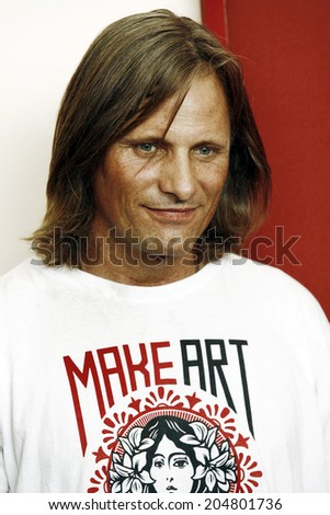 VENICE, ITALY - SEPTEMBER 03: Actor Viggo Mortensen attends 'The Road' photo-call during the 66th Venice Film Festival on September 3, 2009 in Venice, Italy.