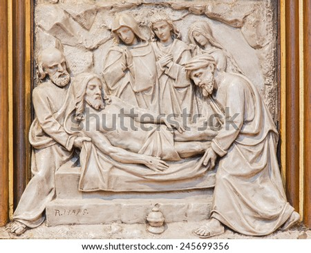 VIENNA, AUSTRIA - DECEMBER 17, 2014: The Burial of Jesus relief as one part of Cross way cycle in Sacre Coeur church by R. Haas from end of 19. cent.