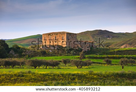 View of farmhouse in the Sicily countryside - stock photo