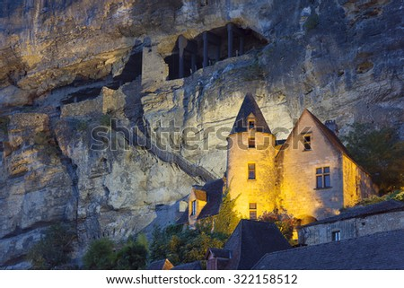 View of La Roque-Gageac, Dordogne, Aquitaine, France