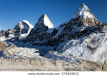 View of mount Cholo, Kangchung peak and Nirekha peak, way to Cho Oyu base camp, Gokyo valley, Sagarmatha national park, Khumbu valley, Nepal