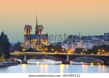 VIew of the church Notre Dame de paris at night, Paris, France
