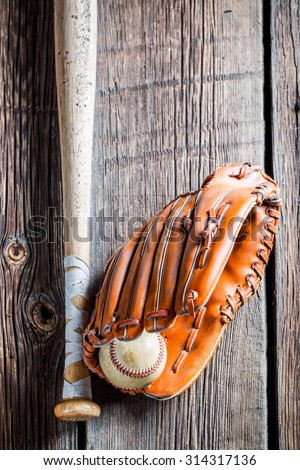 Vintage baseball glove and ball - stock photo