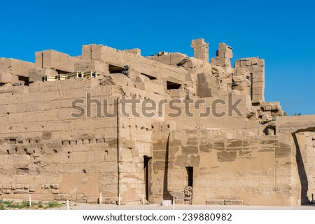 the walls of thebes In the walls of thebes he defines that most amorphous of concepts the humanities as a bundle of disciplines whose typical medium of expression is.