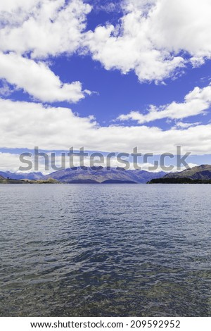 Wanaka Lake in South Island, New Zealand