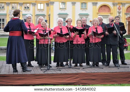 WARSAW - SEPTEMBER 11: Performance Wilanow Singers Group, during of the Wilanow Days event on September 11, 2010 in Warsaw, Poland. - stock photo