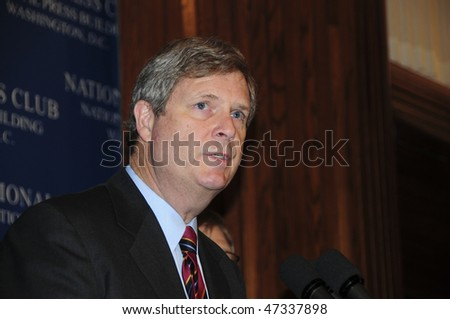 WASHINGTON, DC - FEBRUARY 23:  Secretary of Agriculture Tom Vilsack speaks at the National Press Club, February 23, 2010 in Washington, DC