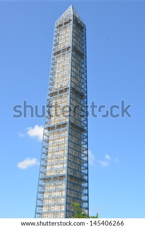 Washington Monument being repaired of earthquake damage - stock photo