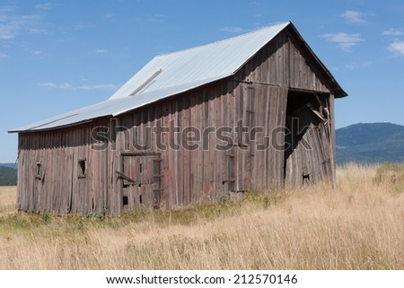 Weathered barn in northern Idaho