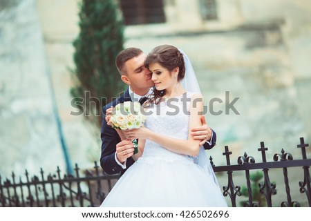 how do mail order bride work