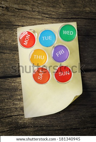 Weekly Pin with Sticky Note