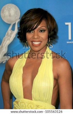 Wendy Raquel Robinson  at the 40th NAACP Image Awards. Shrine Auditorium, Los Angeles, CA. 02-12-09