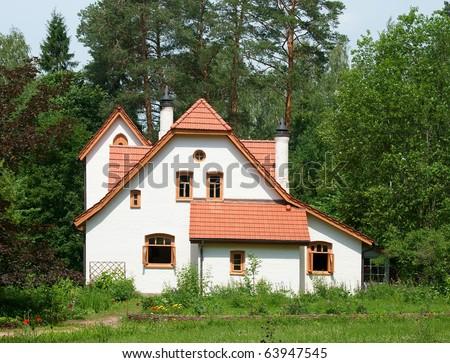 White cottage - stock photo