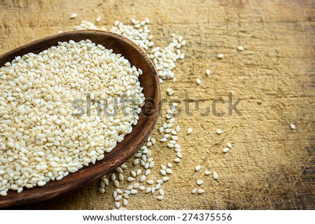 White sesame in the spoon
