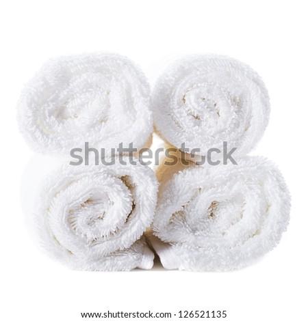 Фигурка человека из скрученого белого полотенца магия