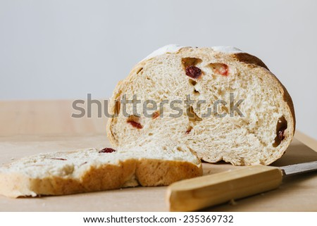 whole grain bread with cranberry