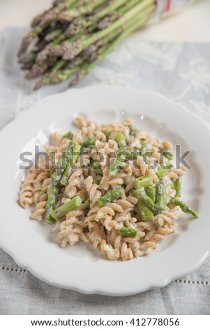 Whole wheat pasta with asparagus