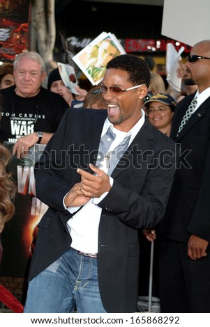 Will Smith at War of the Worlds Premiere, Grauman's Chinese Theatre, Los Angeles, CA, June 27, 2005 - stock photo