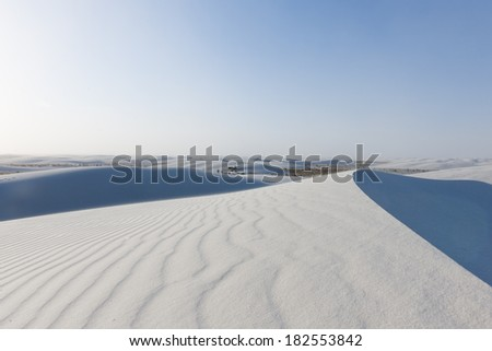 Wind blowing the white Sand