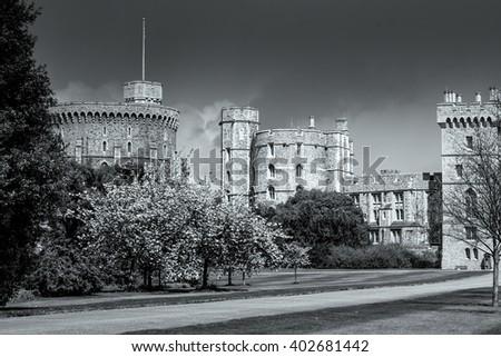 WINDSOR, BERKSHIRE/UK - APRIL 27 : Scenic view of Windsor Castle in Windsor on April 27, 2005.Unidentified men. - stock photo
