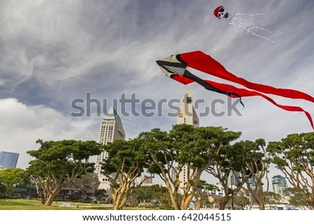 stock-photo-windy-day-kite-flying-in-sea